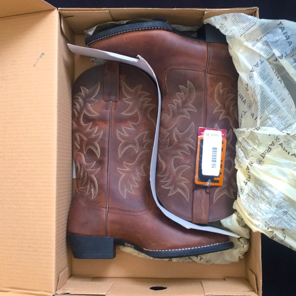 NWT Ariat Boots